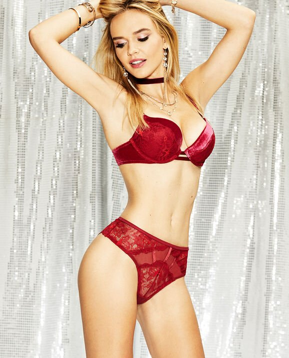 Push Up Bra Red Lacquer 1